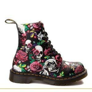 NWOT---Dr Martens rose skull boots!